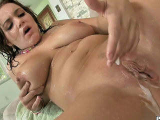Hot brunette enjoys sperm shower on her face after fucking